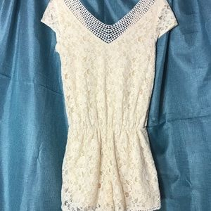 Xhilaration lace romper small